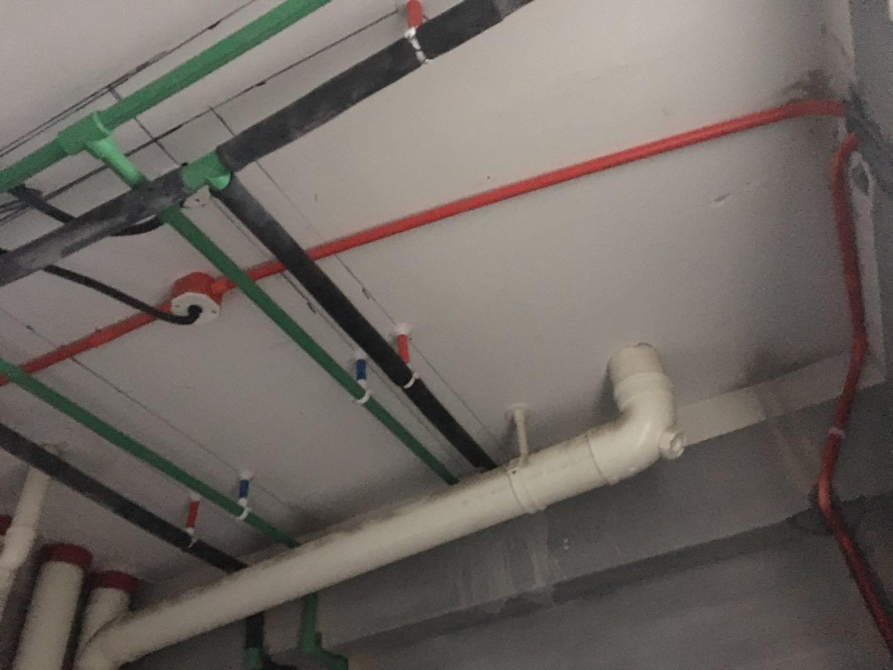 水电工程现场开槽施工进行中