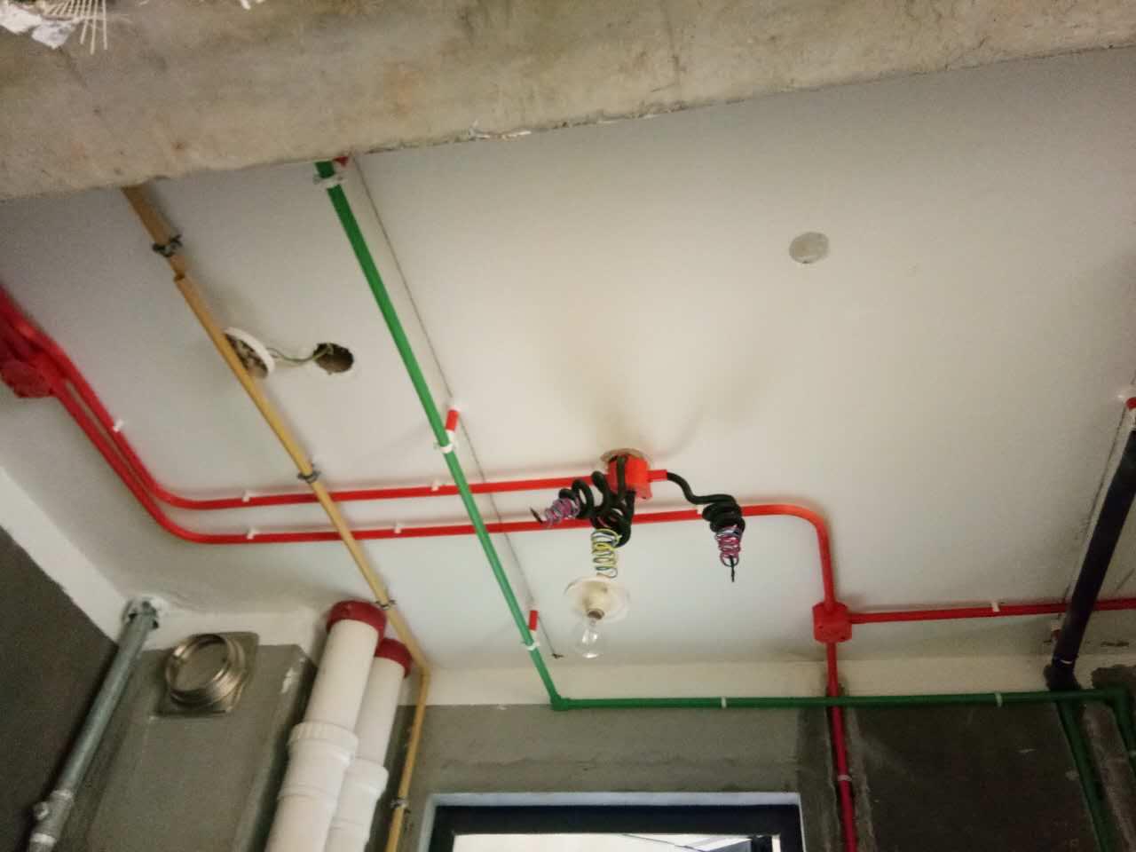 水电验收成功,工地实景图