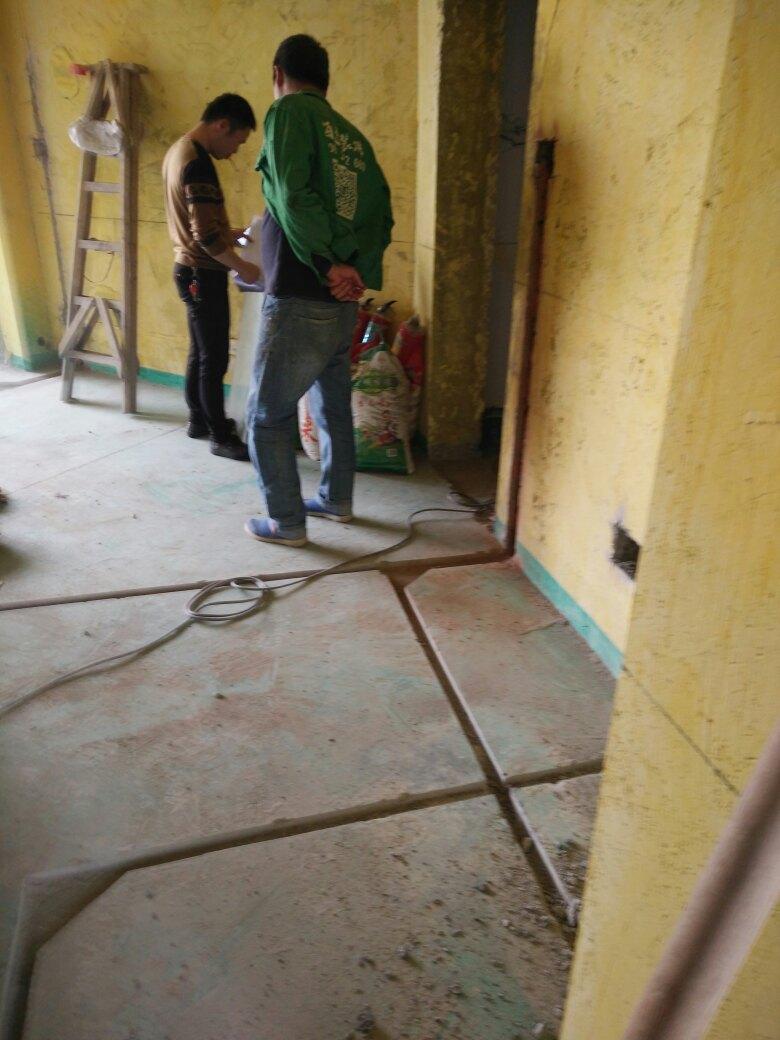 水电工程施工进行中,工地巡检实景照片