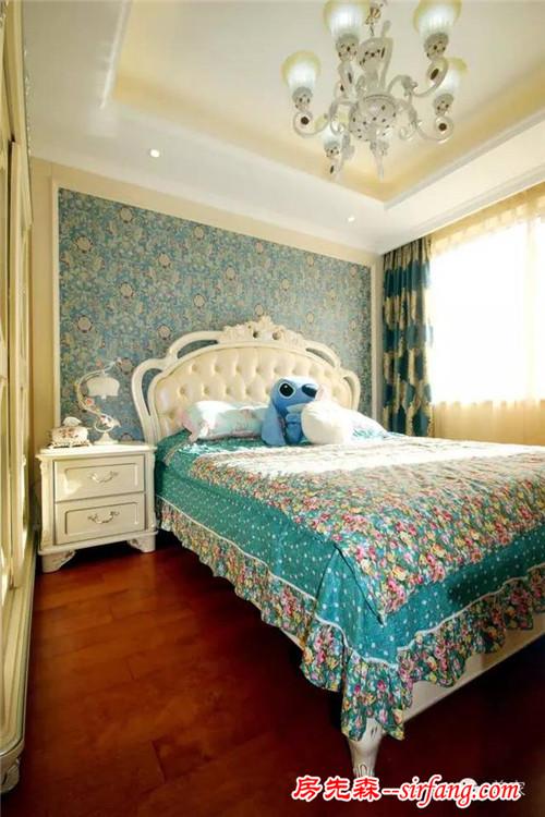 欧式床头背景带窗户