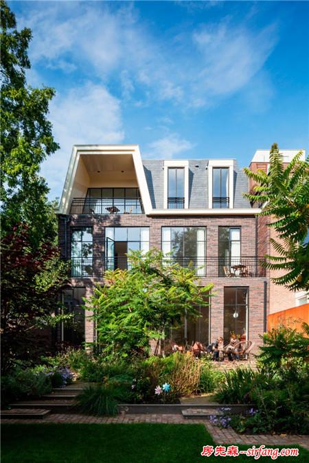 荷蘭現代聯排別墅設計,房子大就是任性!