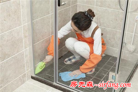 玻璃怎么擦都模糊不清?试试这些妙招,让玻璃更干净