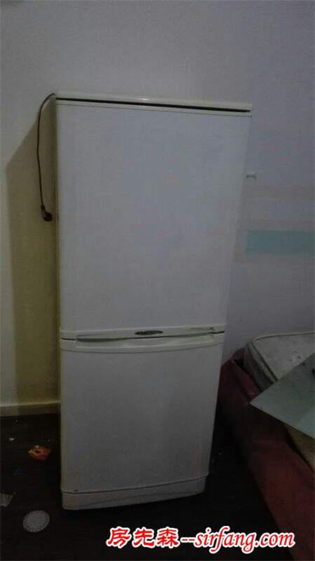 自己DIY翻新老旧冰箱 这冰箱简直是一件艺术品了