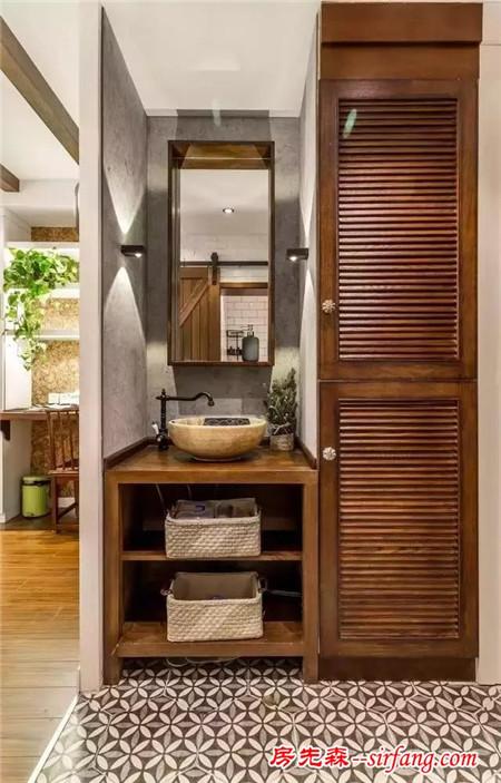 裝修攻略 泥木工程 正文    1,原來的廚房與臥室之間的墻拆了,打通的