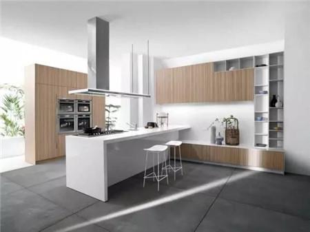 14个白色和木纹厨柜的厨房设计
