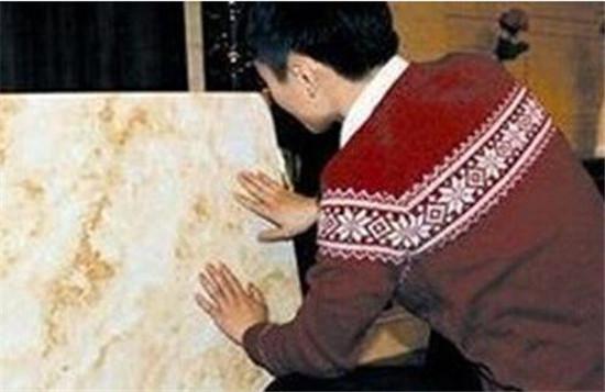 正文    瓷砖的挑选方法,室内装修时都要选购瓷砖,怎样买到物有所值