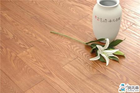 """装修用实木地板,谨防这三大""""陷阱""""!"""