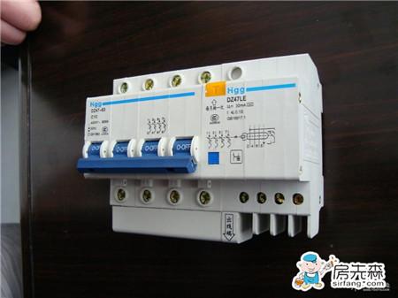 漏电断路器工作原理 漏电断路器和漏电保护器的区别