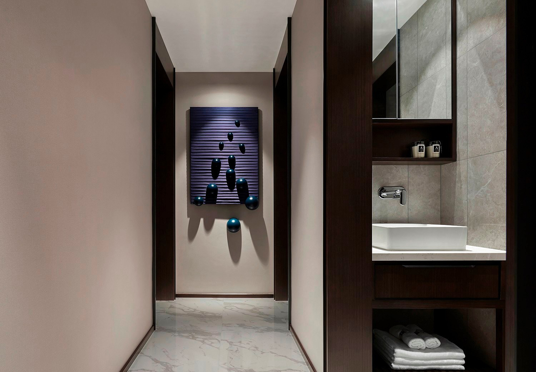 110平港式现代风格三居室
