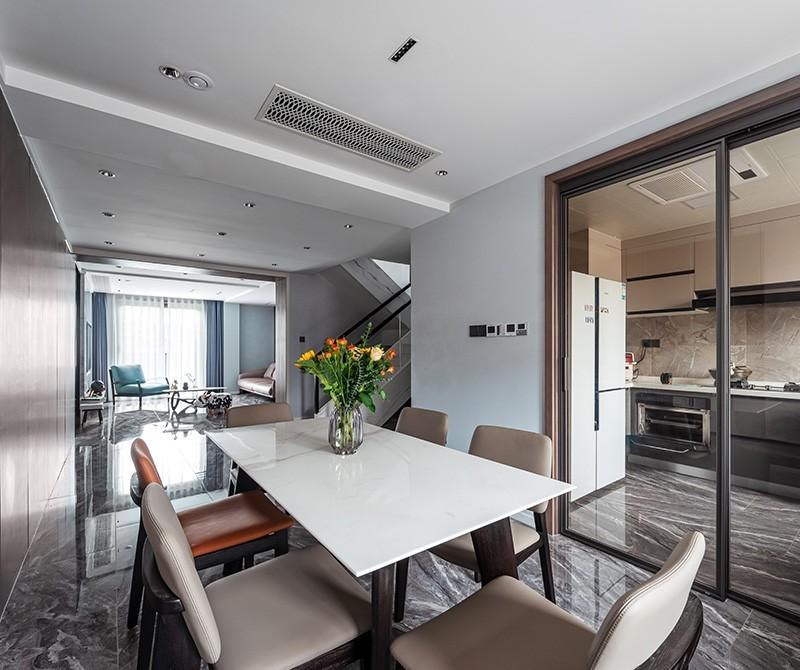 新湖·香格里拉现代简约五室二厅