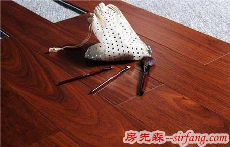家庭装修如何给木地板打蜡?听老师傅说完,后悔知道太晚了!