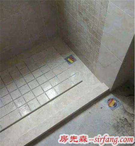 头一次见卫生间墙面和地面都用大理石拉槽,师傅说排水快又防滑!